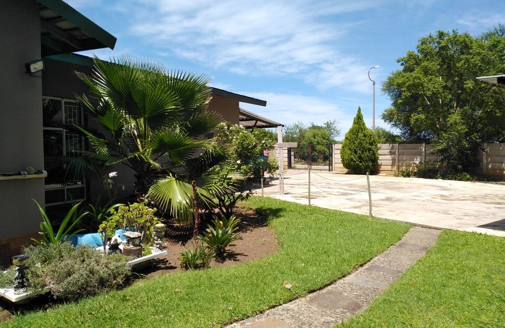 VALUE FOR MONEY!!4 SPACIOUS BEDROOMS; 2 BATHROOMS; 1 GARAGE; CARPORTS FOR 5 CARS; POOL